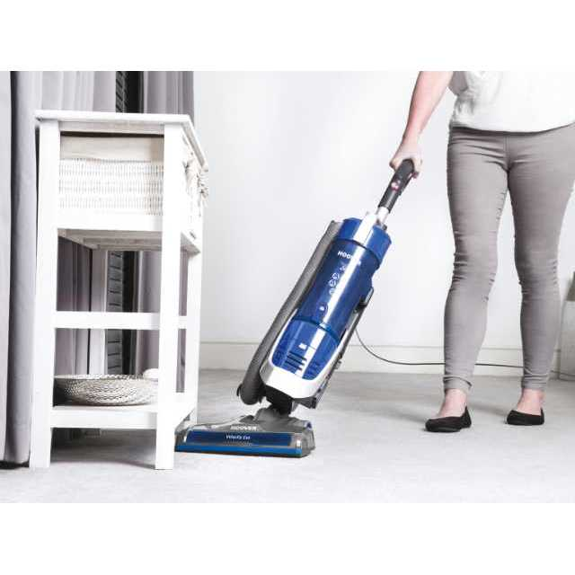 Upright vacuum cleaners VE01 001